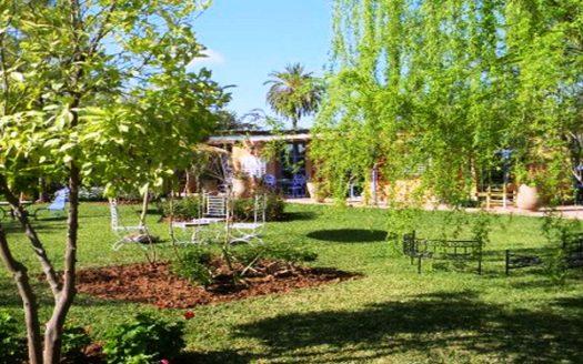 villa avec piscine par cher sur route ourika