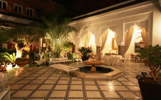 vente riad maison d hote avec piscine sur le toit