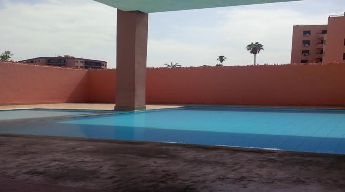 Location longue dur e appartement meubl gu liz for Location appartement marrakech gueliz avec piscine