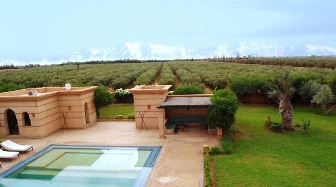 location longue dur e villa pas loin de marrakech. Black Bedroom Furniture Sets. Home Design Ideas