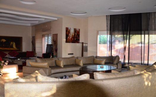 Vente petite villa moderne privée