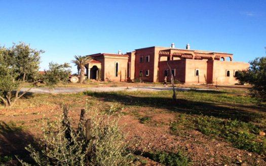 Vente villa privée semi fini route barrage