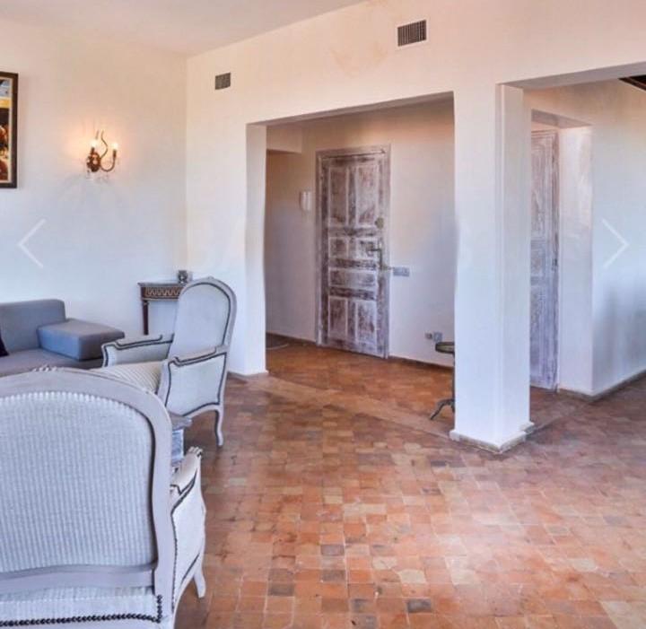 marrakesh opportunity location longue dur e appartement moderne hivernage. Black Bedroom Furniture Sets. Home Design Ideas