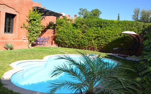 location villa avec piscine longue durée