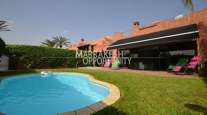 Location villa, situé à 15 min du centre villa de Marrakech 'Guéliz' a 5min du centre commercial Marjane et de tous commodité (loisir & shopping).
