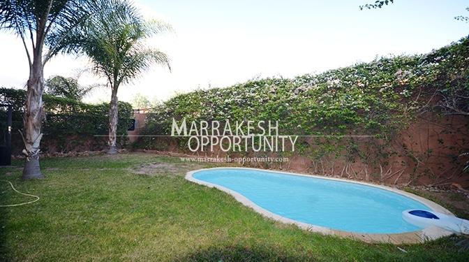 Vente appartement a quelque minutes de l'agitation de la ville d'ocre à la légendaire Palmeraie les poumon vert de Marrakech et à 5 min du centre commercial Marjane, dans un domaine calme et sécurisé contient plusieurs