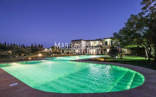 Location villa meublée avec piscine chauffée